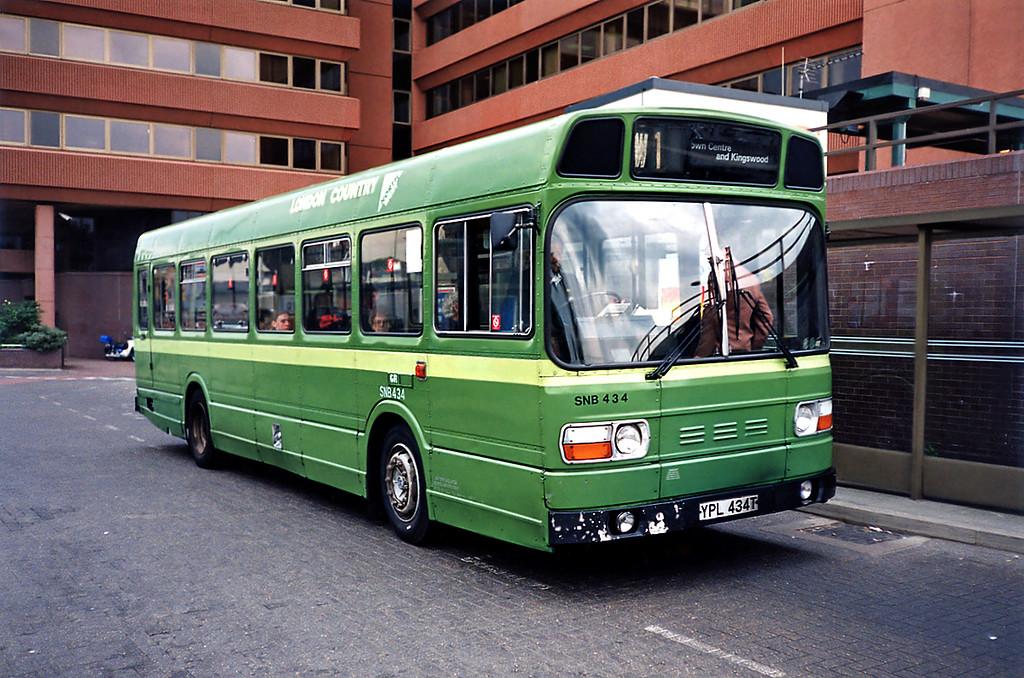 SNB434 YPL434T, Watford Junction 15/5/1991