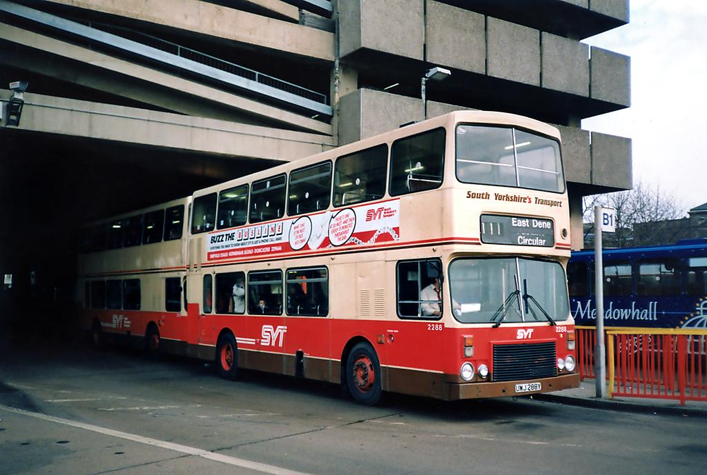 2288 UWJ288Y, Doncaster 17/2/1991