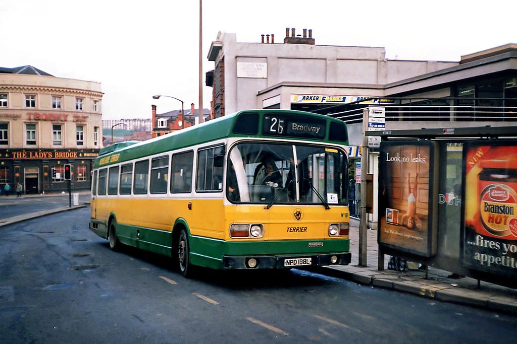 18 NPD138L, Sheffield 17/2/1991