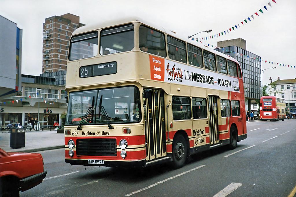 657 AAP657T, Brighton 18/5/1991