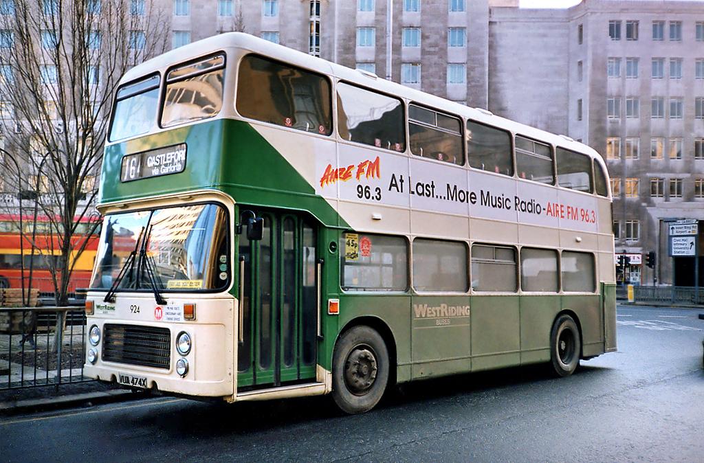 924 VUA474X, Leeds 19/1/1991