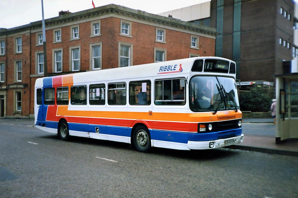 824 BCW824W, Blackburn 20/3/1991