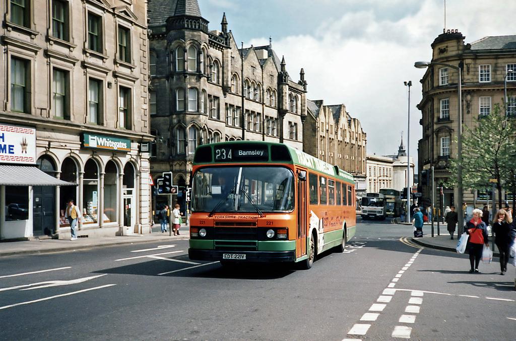 221 EDT221V, Huddersfield 20/4/1991