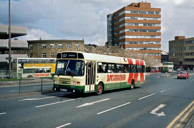 1343 MNW130V, Huddersfield 20/4/1991