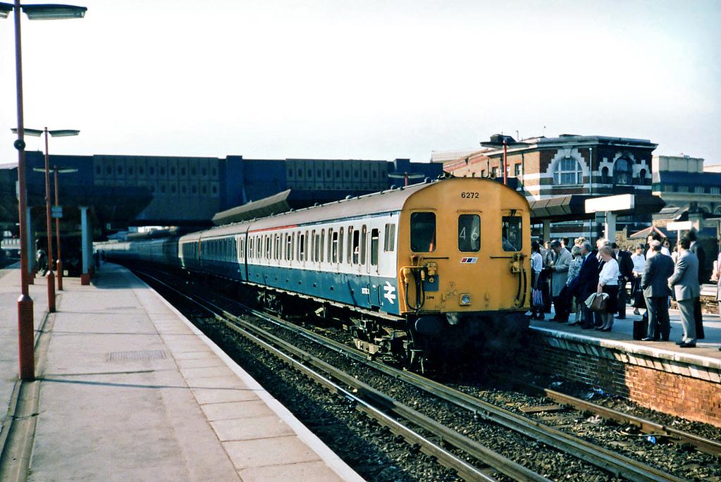 6272, 5243 and 5195, London Bridge 20/5/1991