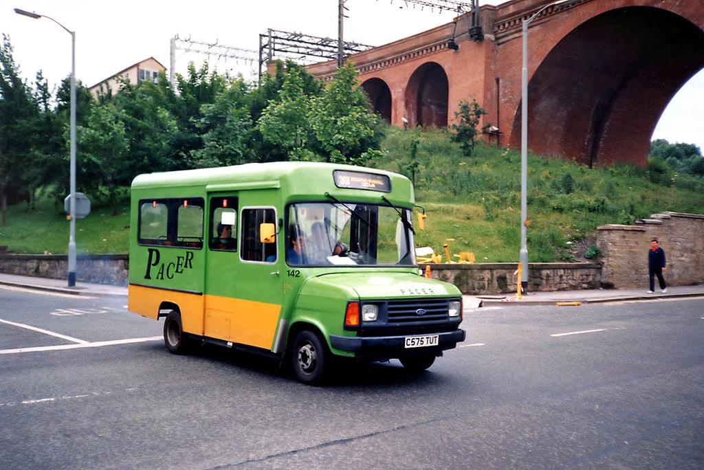 142 C575TUT, Stockport 24/6/1991