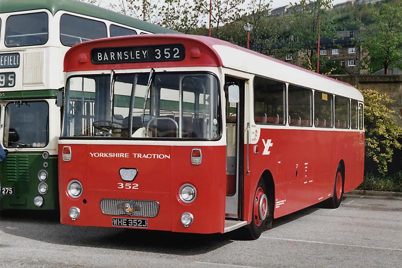 352 WHE352J, Halifax 3/5/1992