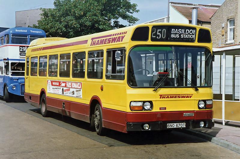 1880 BNO670T, Southend 13/6/1992