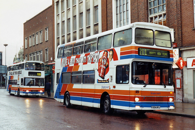 304 F304MYJ and 240 K240NHC, Portsmouth 29/12/1993