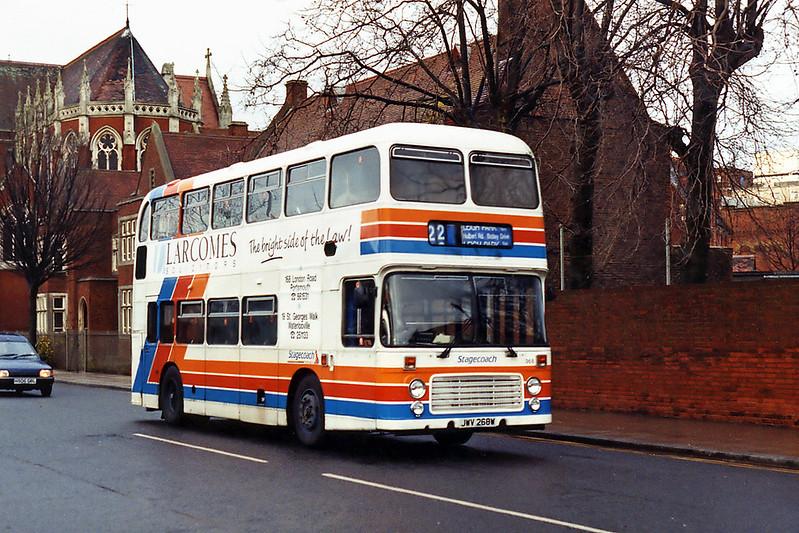 268 JWV268W, Portsmouth 29/12/1993