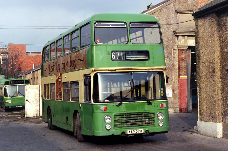 671 AAP671T, Worthing 31/1/1993