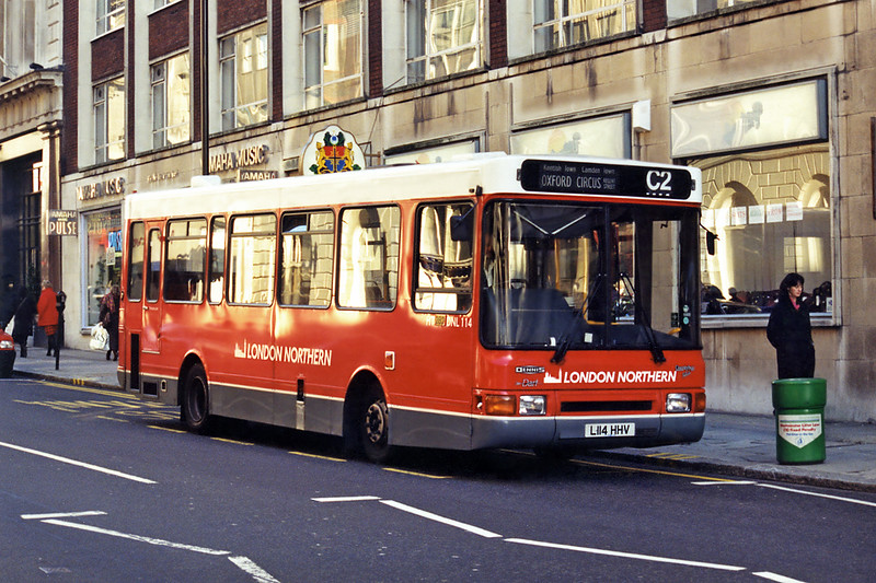 DNL114, L114HHV, Oxford Circus 11/1/1995