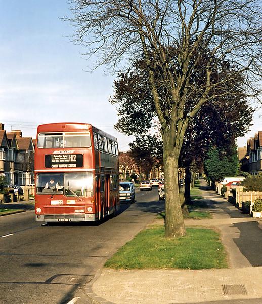 M102 BYX102V, Harrow Weald 13/4/1995