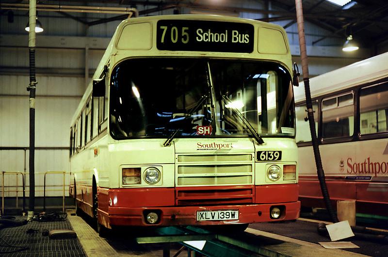 6139 XLV139W, Southport 17/12/1995