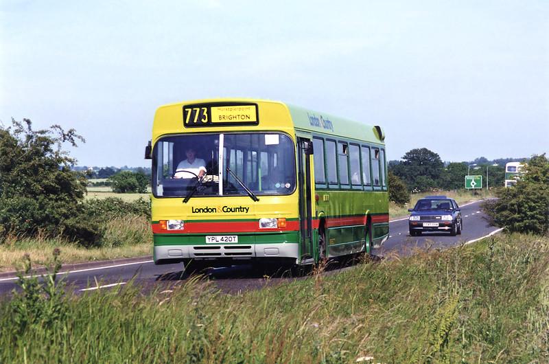 420 YPL420T, North Weald 25/6/1995