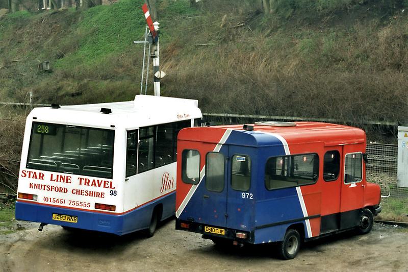 972 C510TJF and 98 J293NNB, Knutsford 14/4/1996