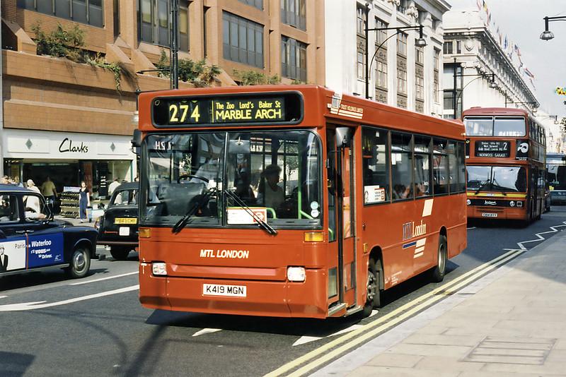 DP239 K419MGN, Oxford Street 16/8/1996