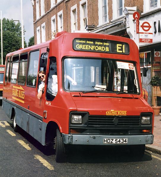 RW34 HDZ5434, Ealing Broadway 16/8/1996