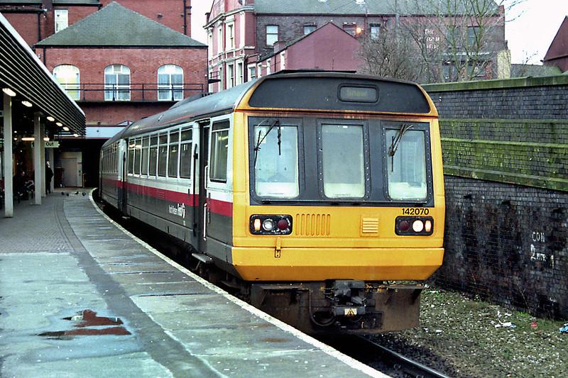 142070 Wigan Wallgate 30/12/2002