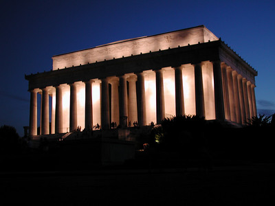 Then the Lincoln Memorial.  By now we've walked at least 4 miles since getting off the Metro.