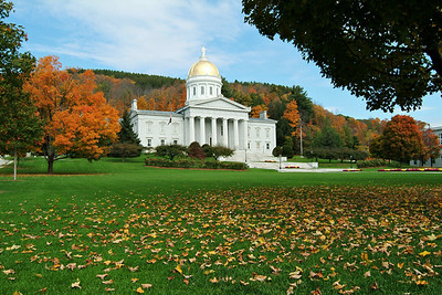 We decided to spend our first afternoon in Montpelier, the capital of Vermont.   It was a clear, warm day and the drive from the airport gave us our first taste of New England fall.  The colors were spectacular and at their peak (fortunately it was a late year for color- normally this area peaks around the first week of October so we were about 10 days late).  The very distinctive capital building has a golden dome and a vast perfectly manicured front lawn.