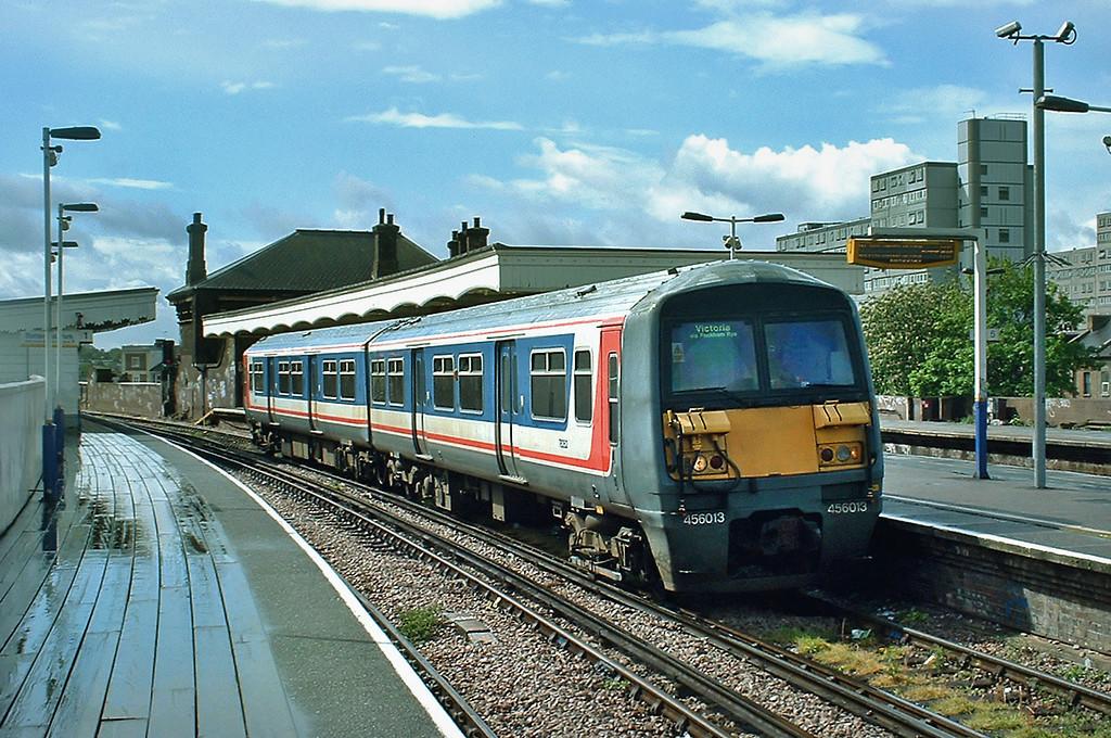 456013 Battersea Park 1/5/2003