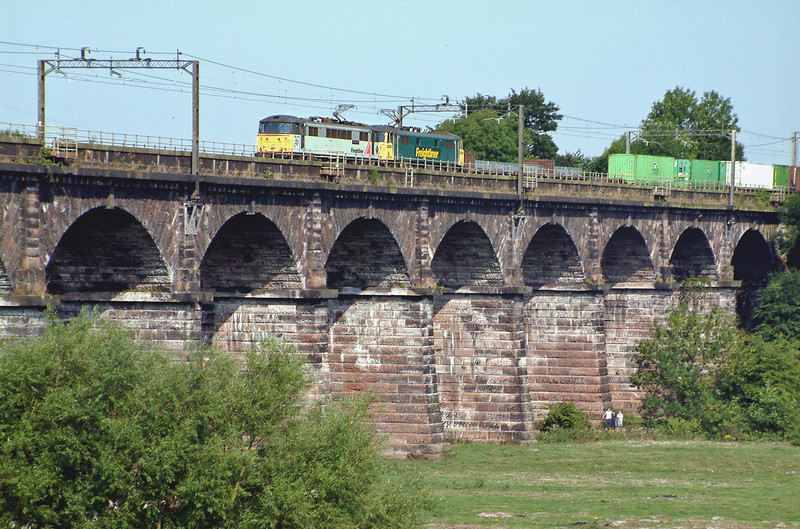 86611 and 86613, Dutton Viaduct 6/8/2003