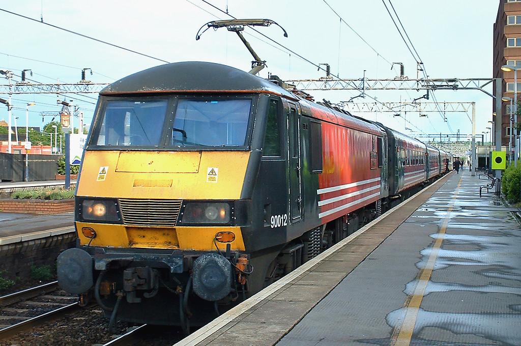 90012 Watford Junction 13/5/2003<br /> 1S94 1830 London Euston-Glasgow Central