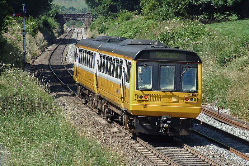 142049 Earles Sidings 15/7/2003