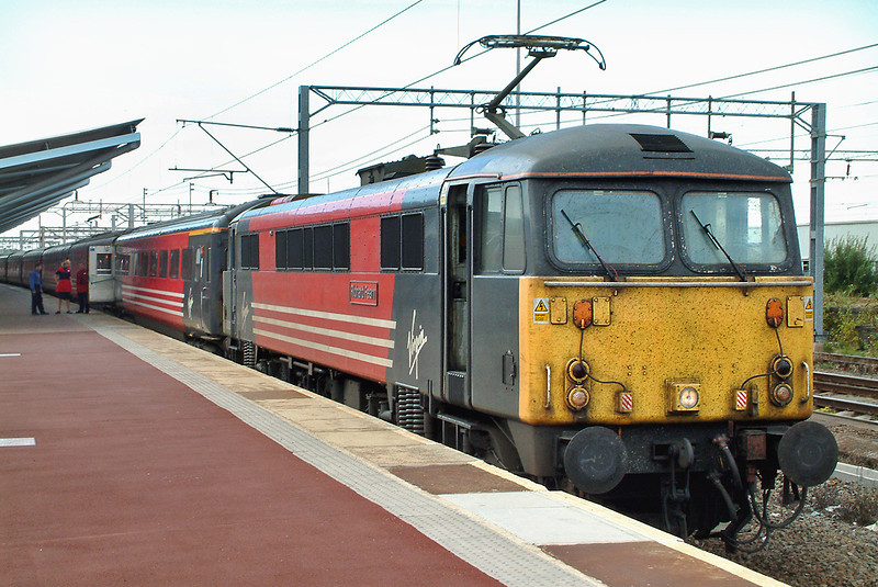 87032 Rugby 15/9/2003<br /> 1A65 1320 Preston-London Euston
