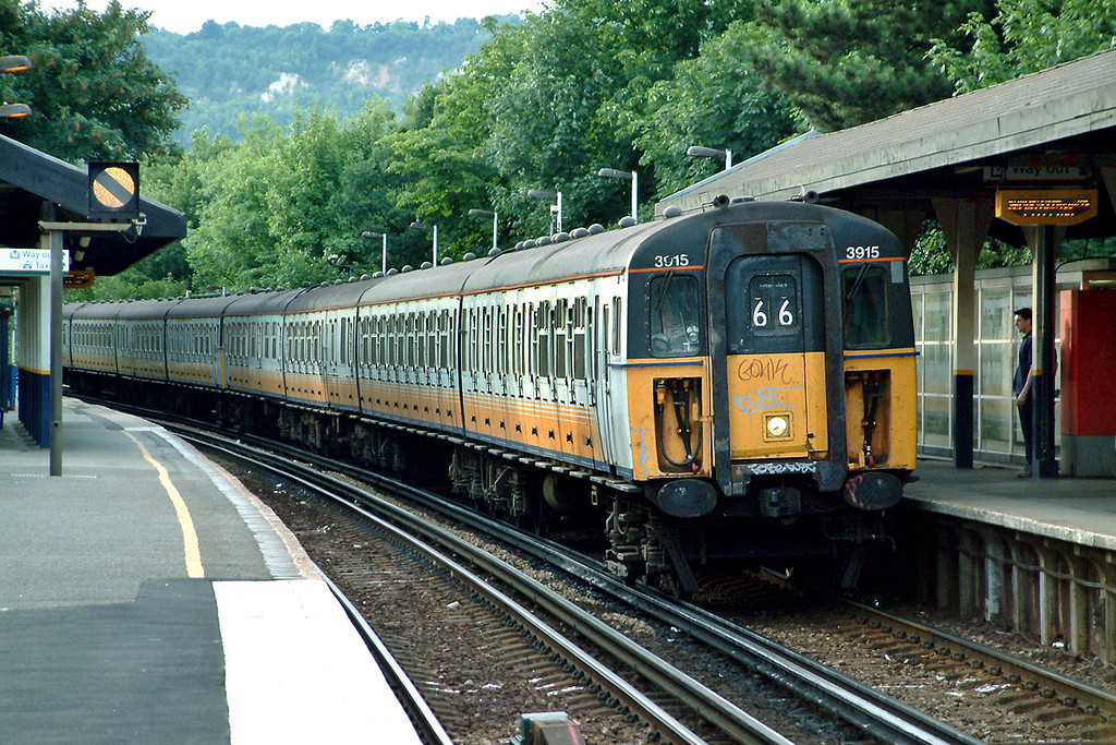3915 and 3515, Oxted 24/7/2003