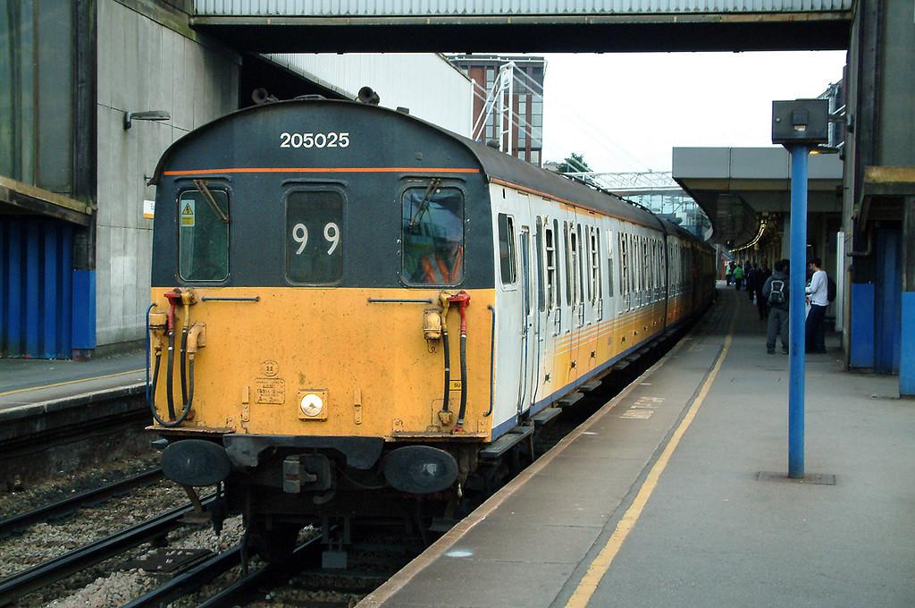 205025 East Croydon 24/7/2003