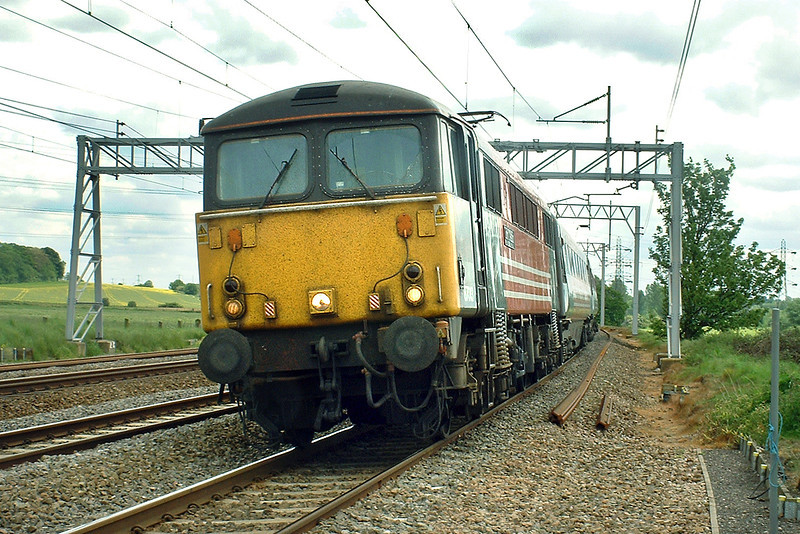 87013 Rugeley 26/5/2003<br /> 1C15 1125 London Euston-Lancaster