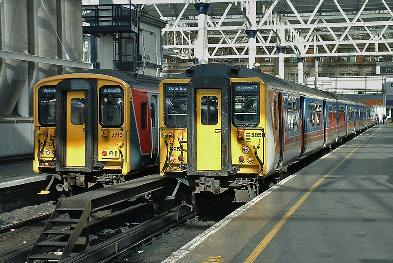 5858 and 5713, London Waterloo 2/10/2004