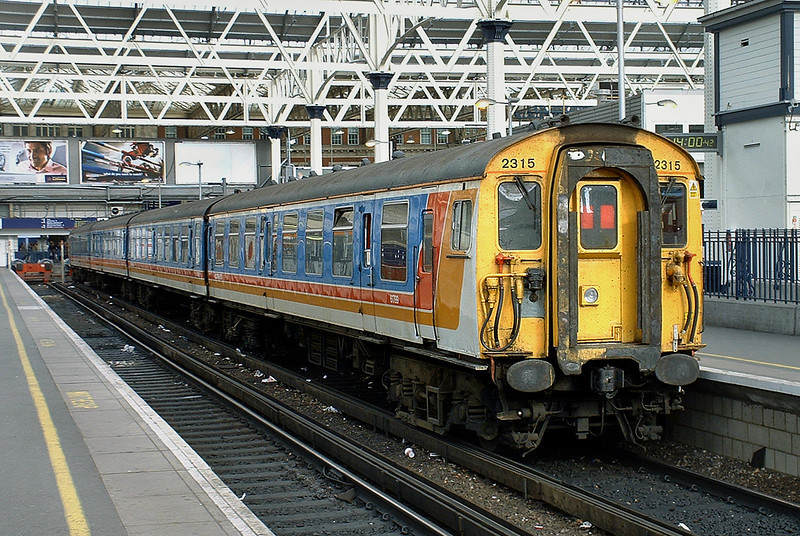 2315 London Waterloo 2/10/2004