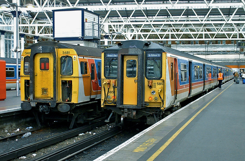 5851 and 3481, London Waterloo 2/10/2004