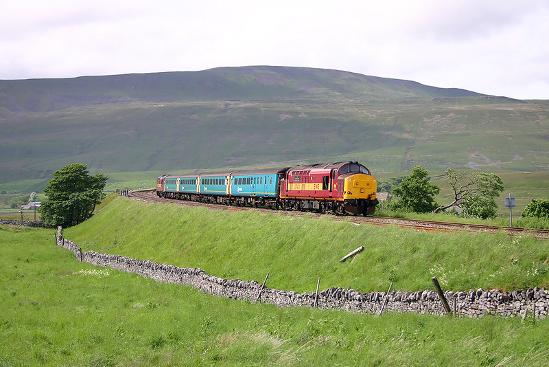 37411 and 37042, Ribblehead 9/6/2004
