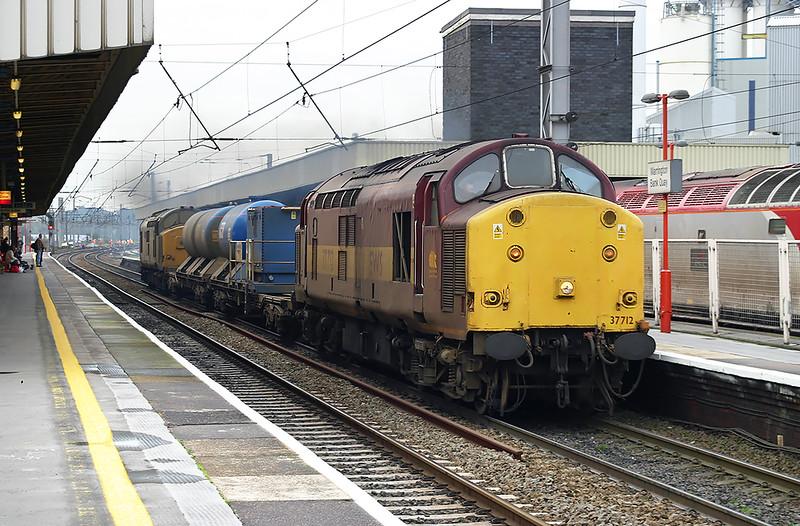 37712 and 37689, Warrington Bank Quay 15/10/2004
