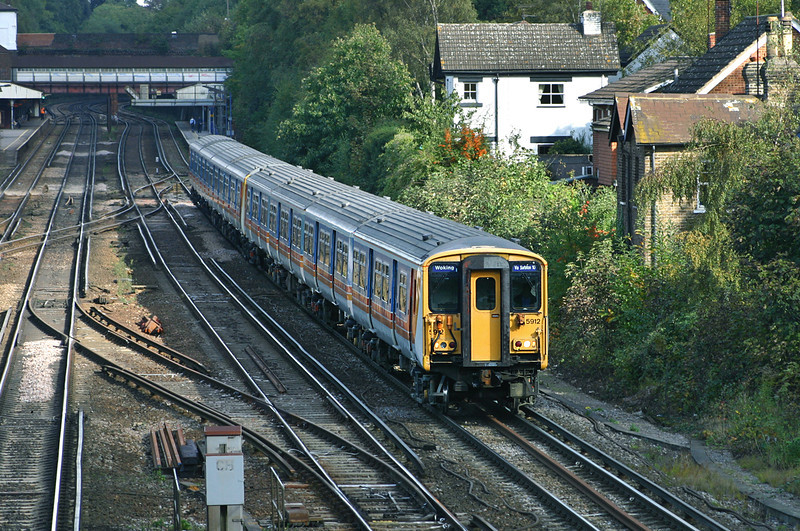 5912 and 5866, Weybridge 18/10/2004
