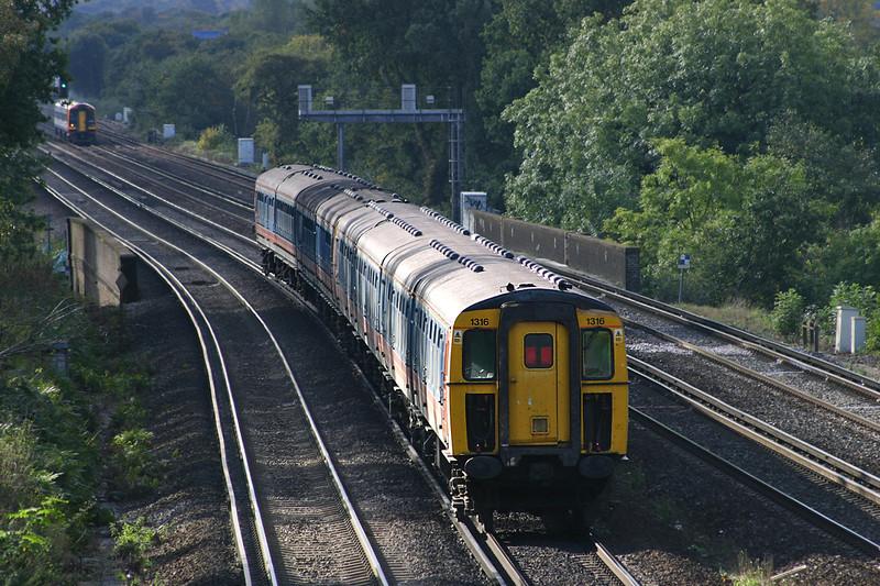 1316 and 3542, Weybridge 18/10/2004