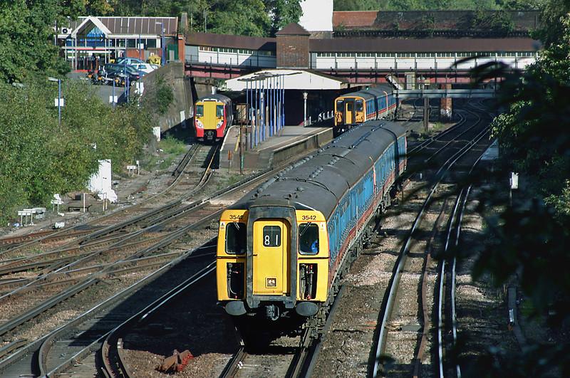 3542 and 1316, Weybridge 18/10/2004