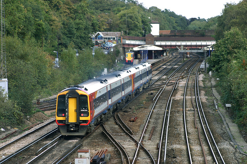 159020 and 159007, Weybridge 18/10/2004