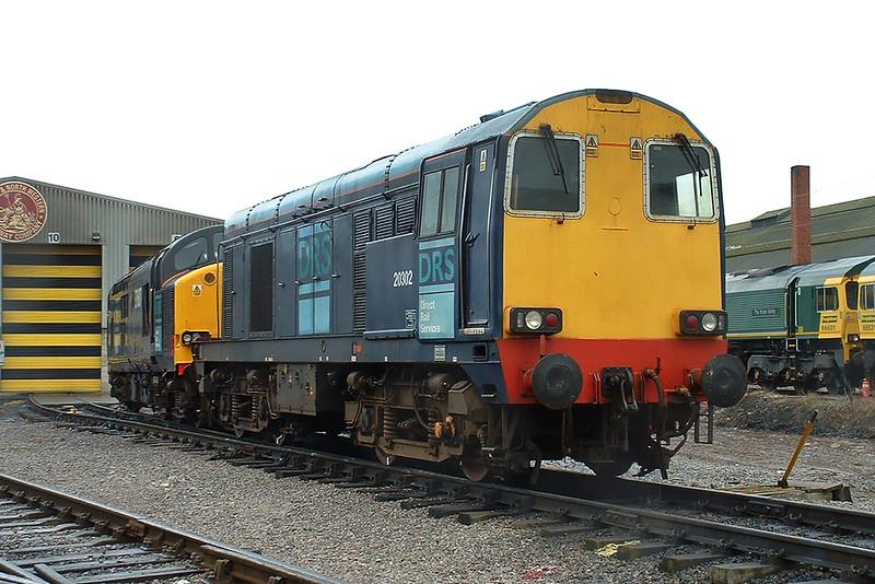 20302 and 37607, Crewe 20/3/2004