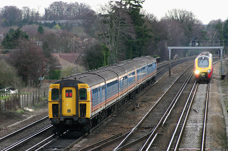 3459 and 3407, Worting Junction 20/12/2004