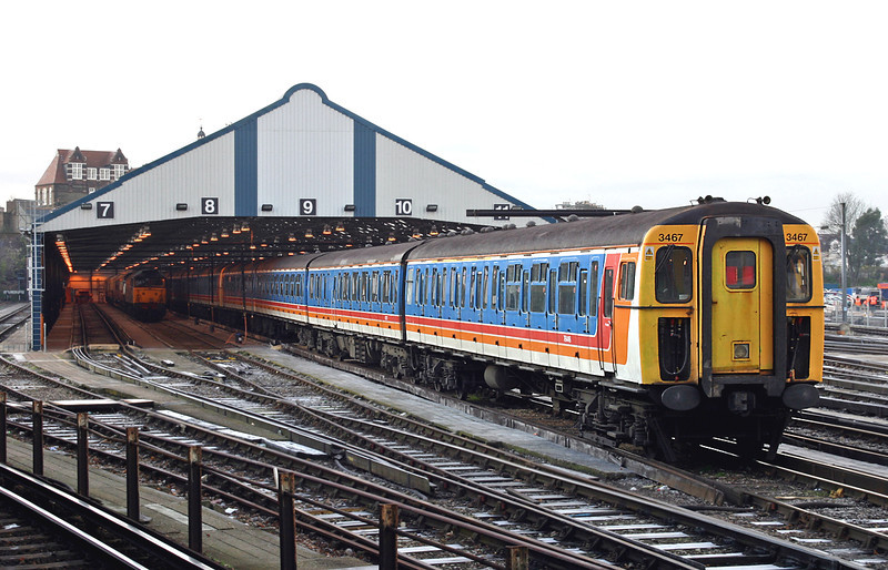 3467 Clapham Junction 20/12/2004