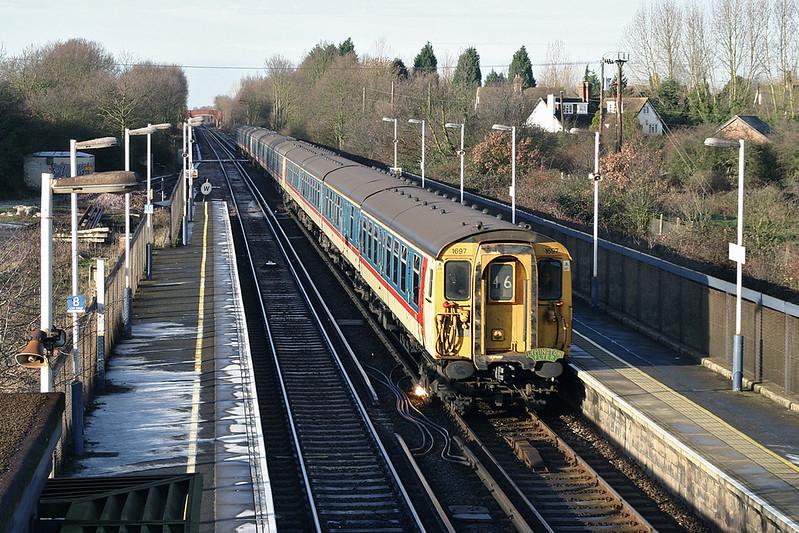 1697, 1698 and 1699, Staplehurst 29/12/2004<br /> 1Z69 0945 London Victoria-Dover Priory