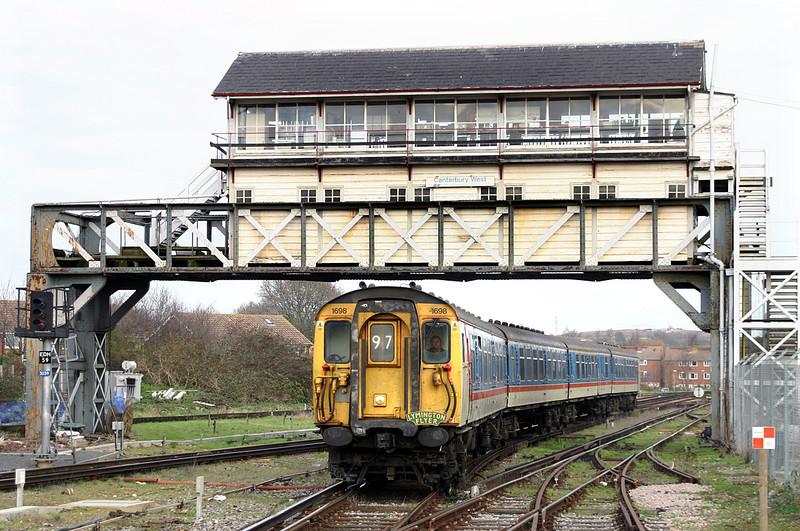 1698 Canterbury West 29/12/2004<br /> 1Z72 1136 Dover Priory-Dover Priory (via Sandwich and Ashford)