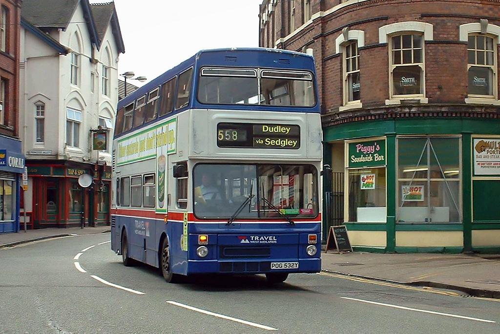 2532 POG532Y, Wolverhampton 30/9/2004