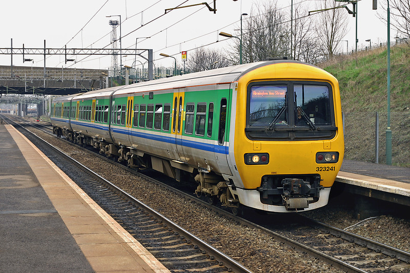 323241 Tame Bridge Parkway 1/4/2005<br /> 2A36 1433 Walsall-Birmingham New Street