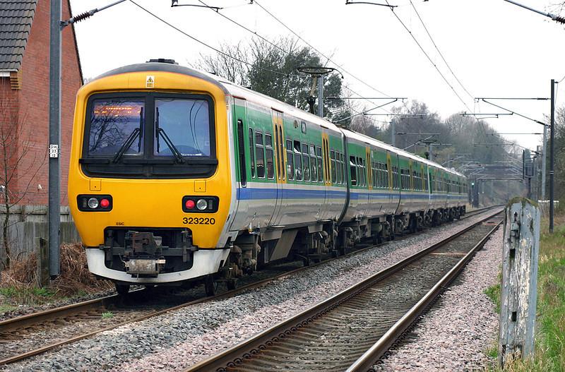 323220 and 323204, Lichfield 1/4/2005<br /> 2N61 1222 Lichfield Trent Valley-Longbridge